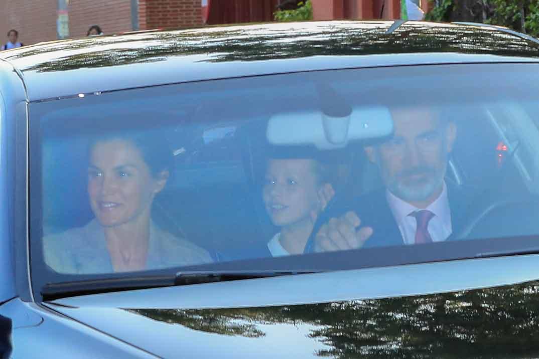 El primer día de colegio de la princesa Leonor y la infanta Sofía