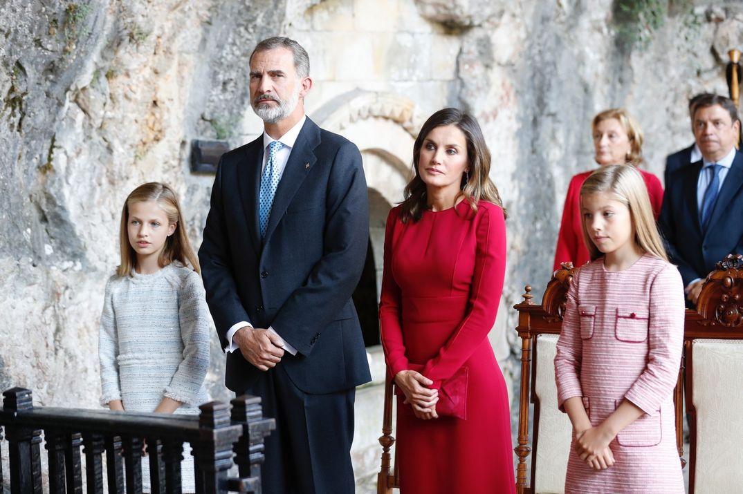 Reyes Felipe y Letizia con la princesa Leonor y la infanta Sofía © Casa S.M. El Rey