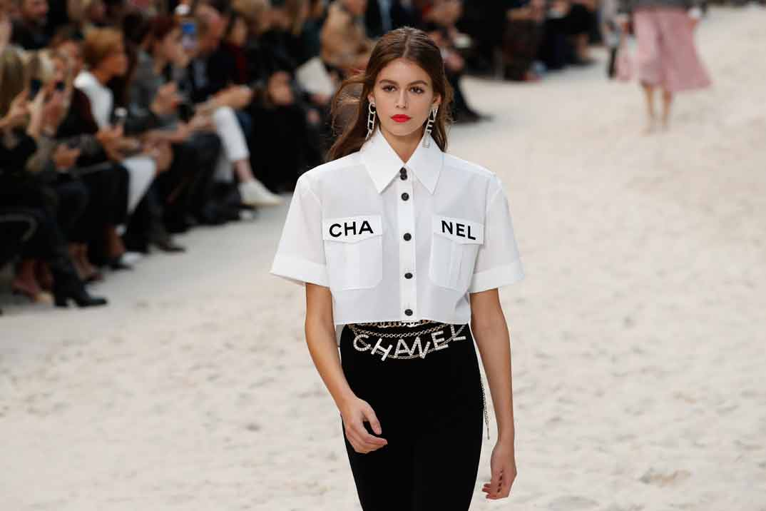 Kaia Gerber - Paris Fashion Week: Chanel Primavera-Verano 2019