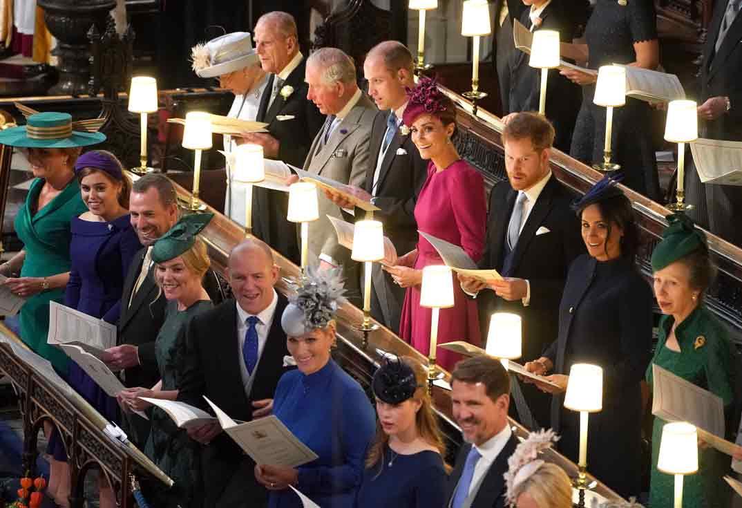 Los Duques de Cambridge y los Duques de Sussex con la familia real inglesa
