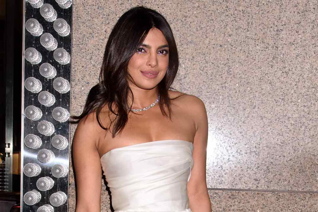 Priyanka Chopra se viste de novia… ¡En su despedida de soltera!