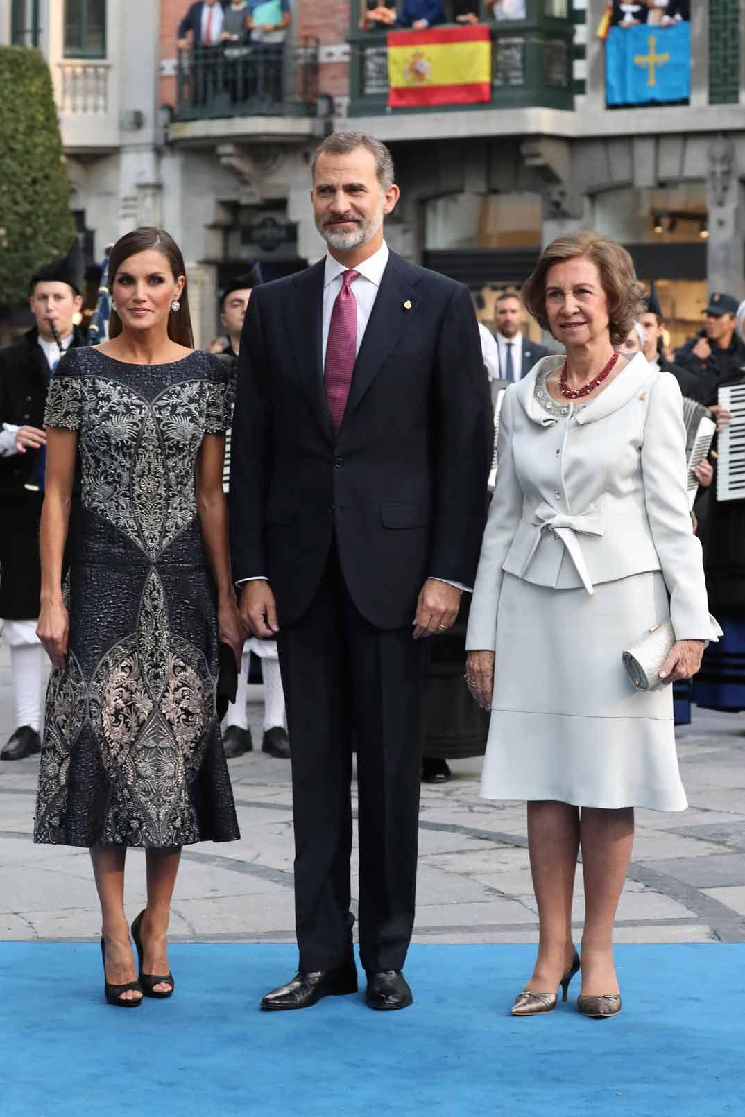 Los Reyes don Felipe, doña Letizia y doña Sofia