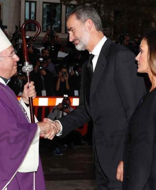 Los Reyes asisten a la misa funeral por las víctimas de las inundaciones de Mallorca