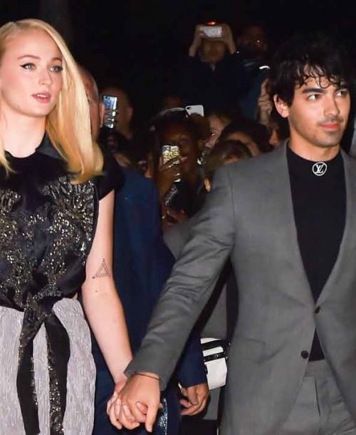 Sophie Turner y Joe Jonas posan juntos por primera vez