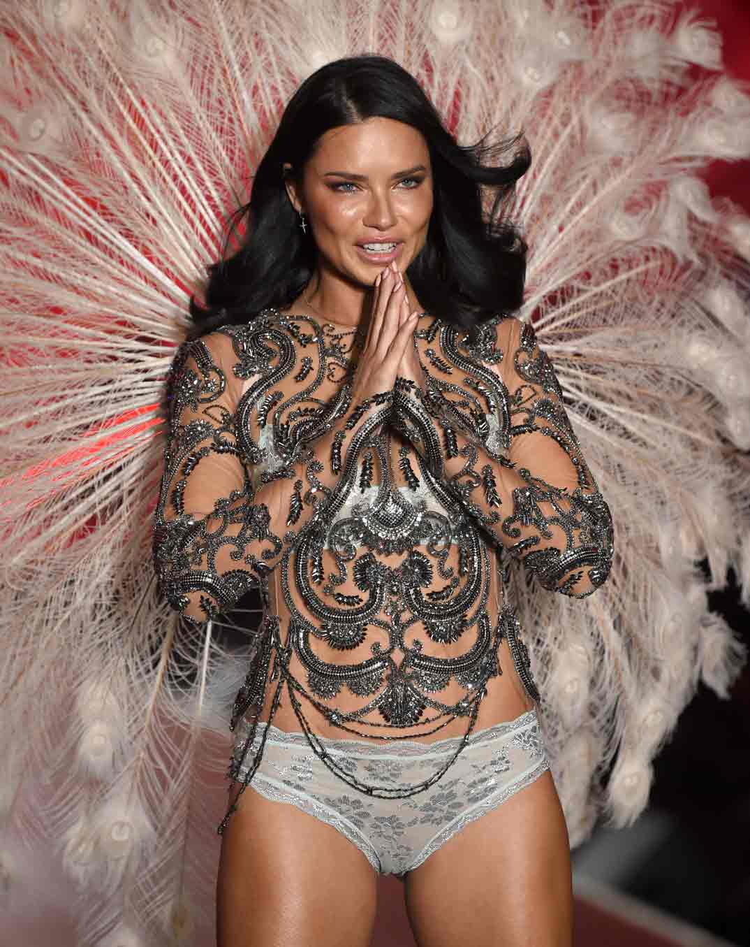 Adriana Lima- Victoria's Secret Fashion Show - 2018