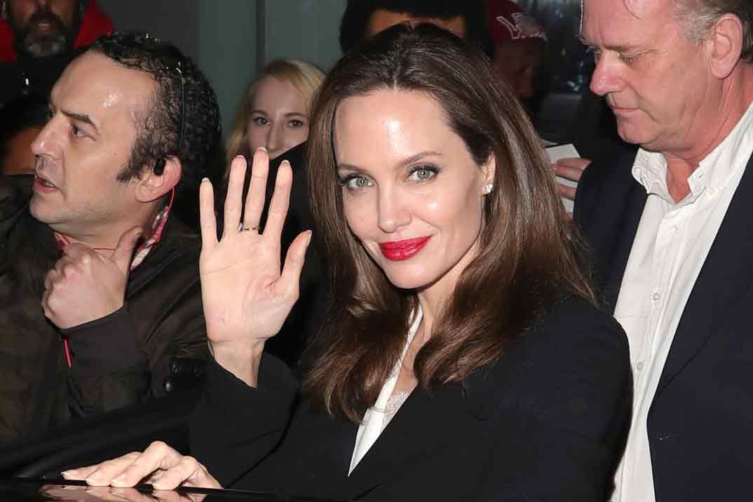 La emotiva carta de Angelina Jolie hablando de sus hijos y recordando a su madre fallecida