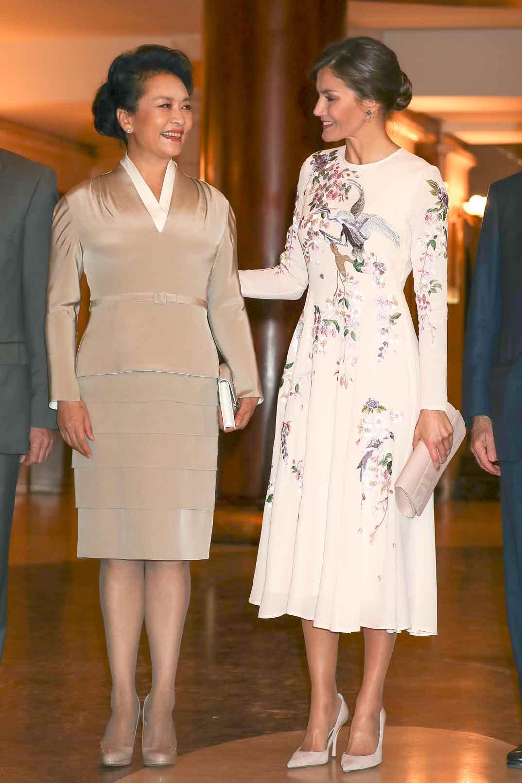 Reina Letizia y Peng Liyuan