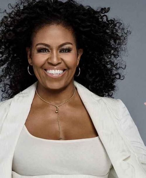Michelle Obama luce por primera vez sus rizos naturales