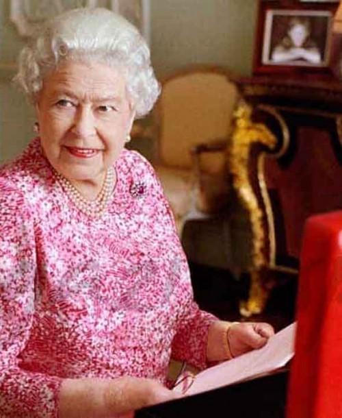 La reina Isabel II obliga a sus invitados a pesarse antes y después de la cena de Navidad