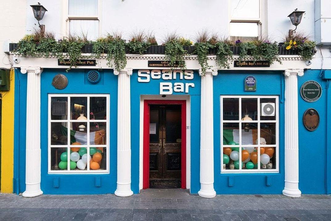 Sean's Bar Atholone