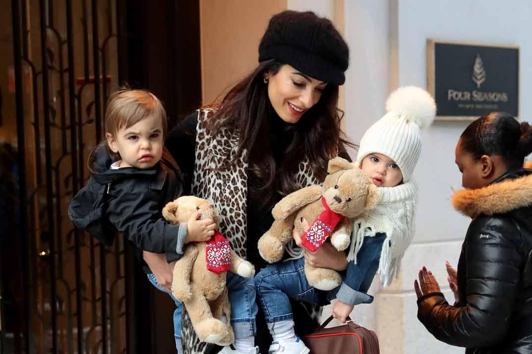 Primeras imágenes de los mellizos de Amal y George Clooney