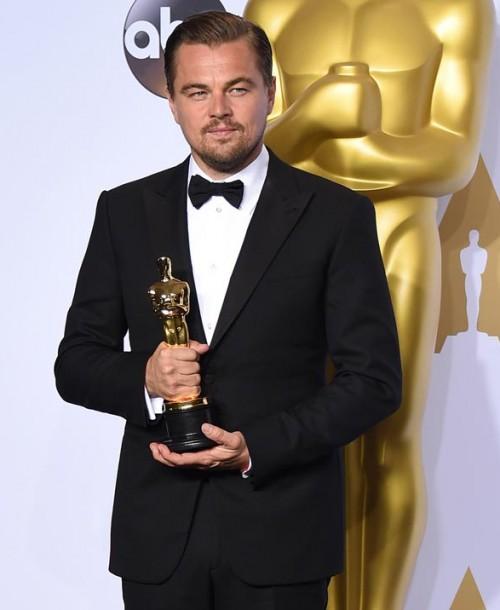 ¿Por qué  Leonardo DiCaprio tiene que devolver un Oscar?