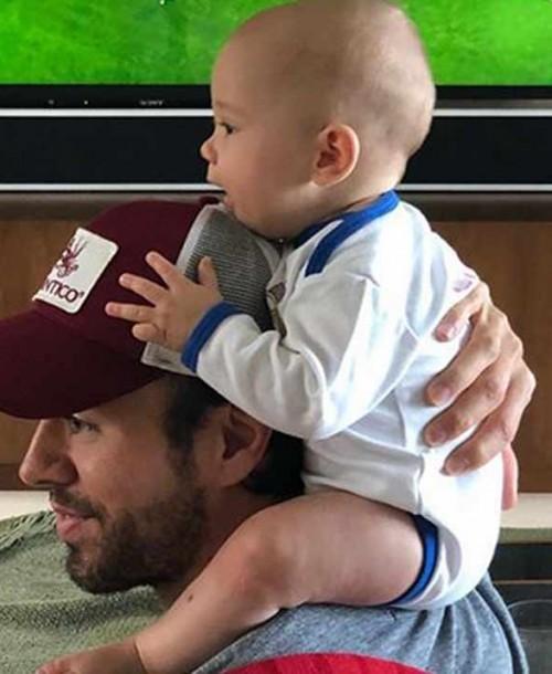 El vídeo más divertido de Enrique Iglesias y Anna Kournikova bailando con sus hijos