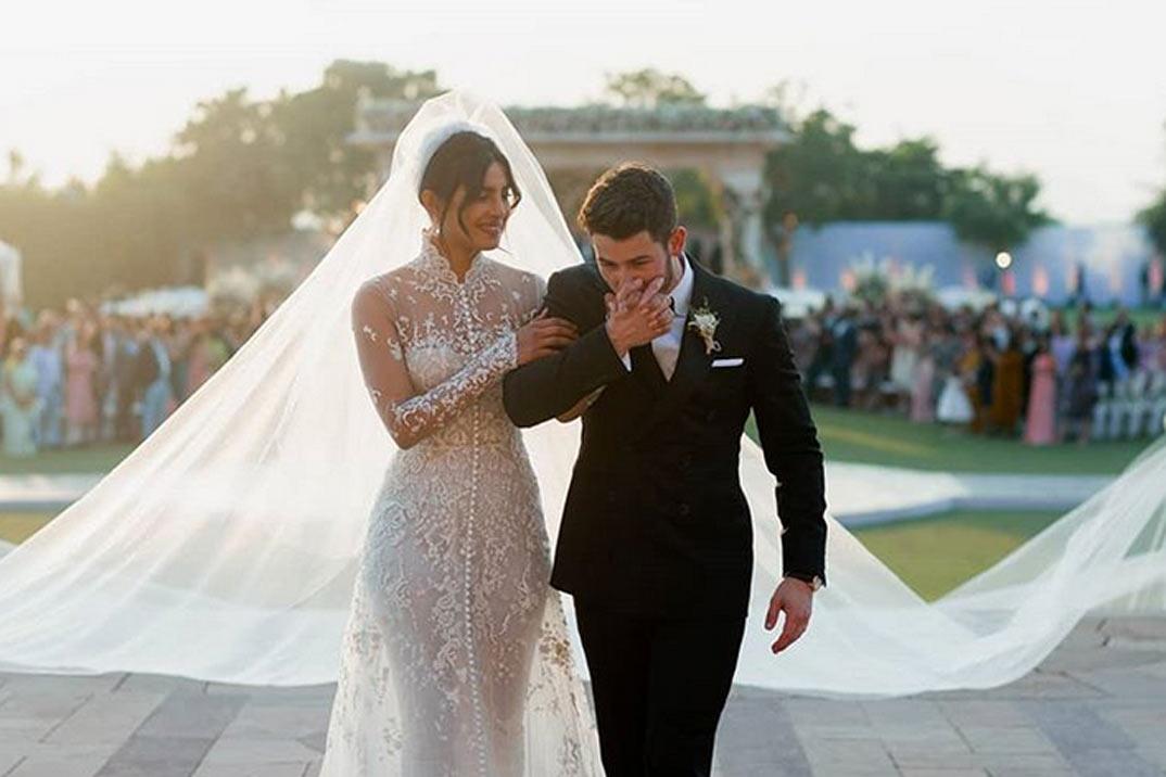 Así han sido los dos vestidos de novia de Priyanka Chopra