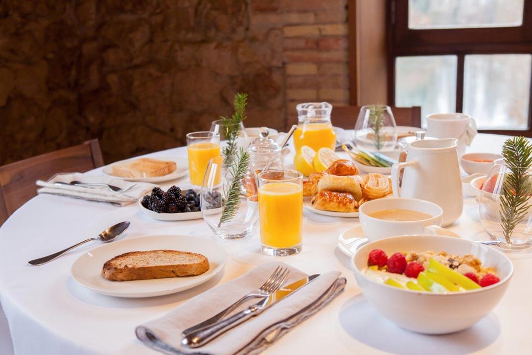 Fuente-Acena-Hotel-Boutique-desayuno