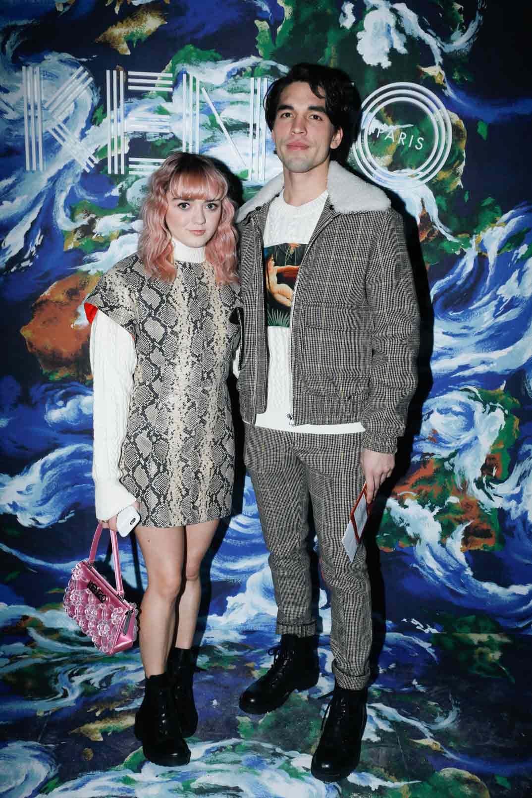 Maisie Williams con su novio Ollie Jackson