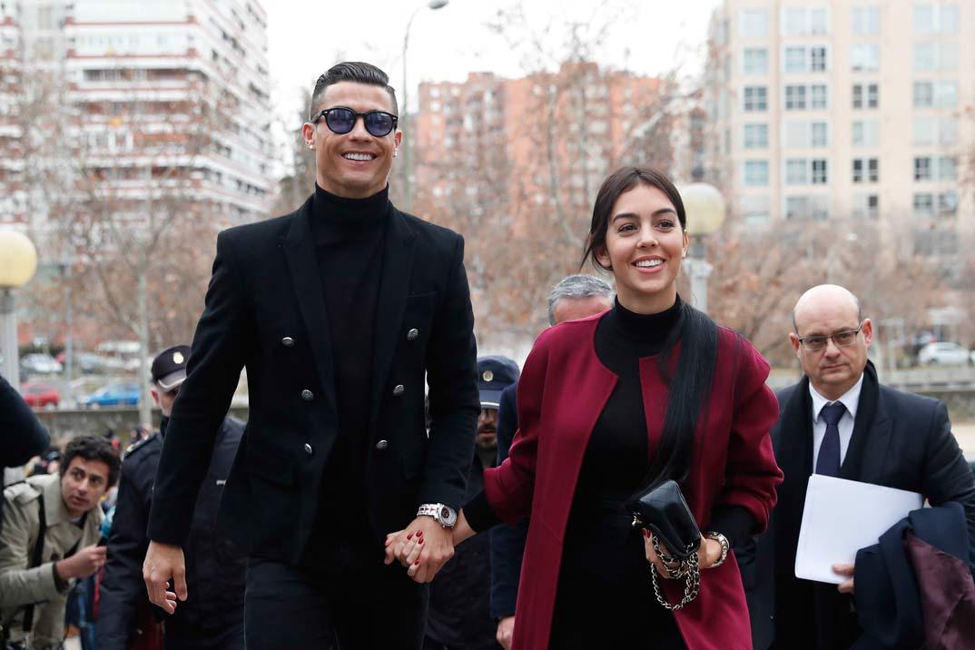 Cristiano Ronaldo llega a los juzgados junto a Georgina