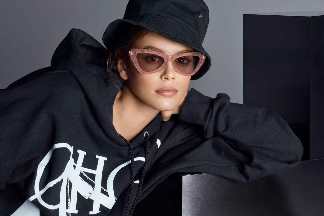 Kaia Gerber protagoniza la nueva campaña de Jimmy Choo