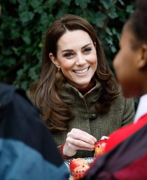 Kate Middleton apuesta por el khaki para su último look