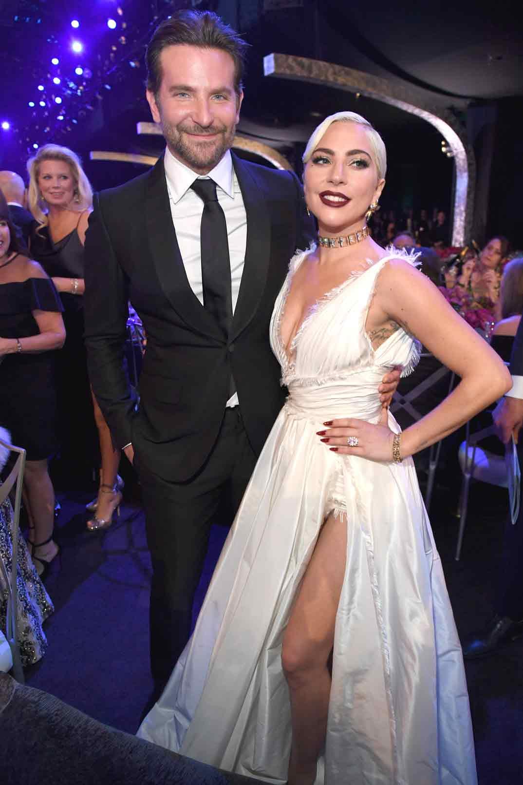 Bradley Cooper y Lady GagaBradley Cooper y Lady Gaga