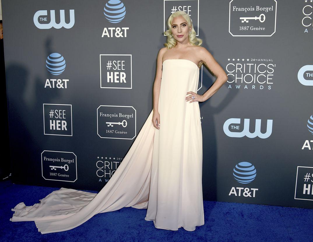 Lady Gaga Critics Coice Awards 2019