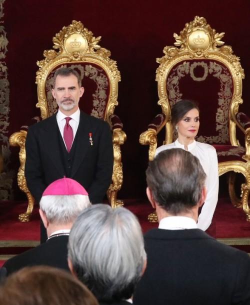 La elegancia de la reina Letizia en la tradicional recepción al Cuerpo Diplomático