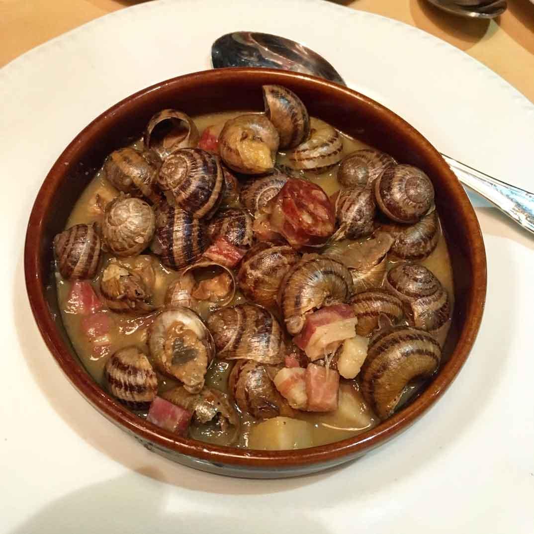 caracoles-en-salsa