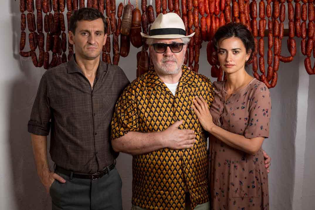 Raúl Arévalo, Pedro Almodóvar y Penélope Cruz - Dolor y Gloria © Manolo Pavón
