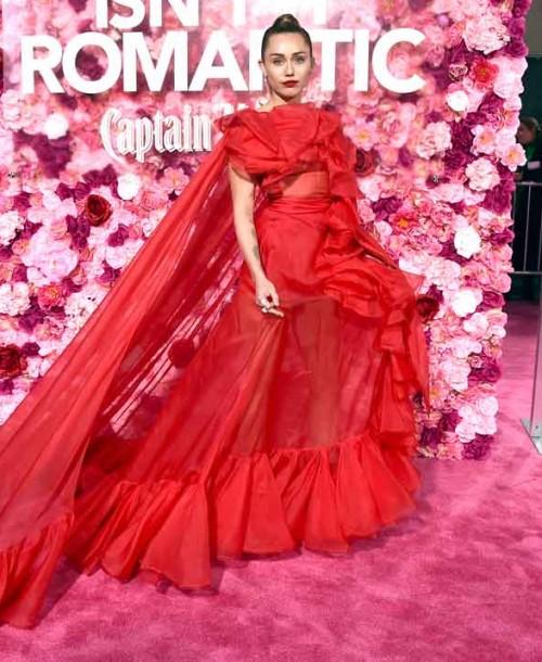 Miley Cyrus celebra su primer San Valentín como esposa de Liam Hemsworth
