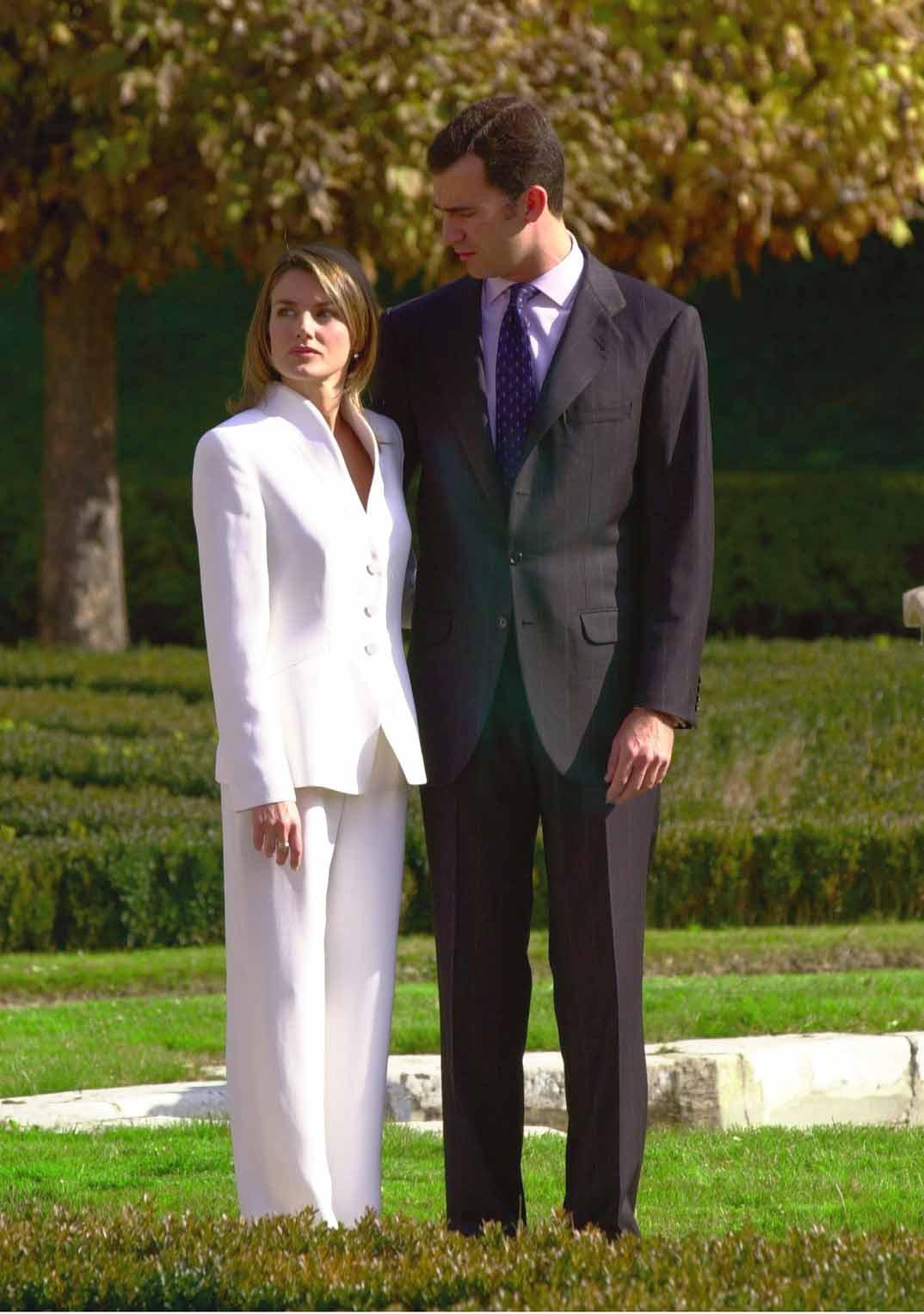 Reyes Felipe y Letizia - Foto archivo pedida de mano - 6 noviembre de 2003