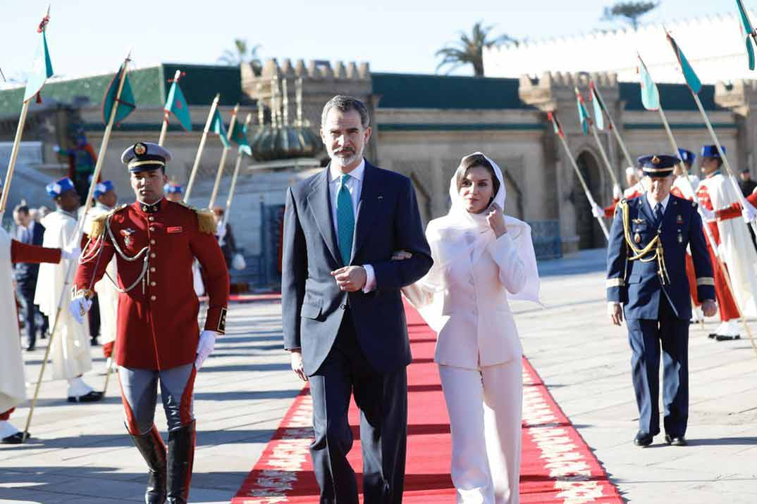 La reina Letizia celebra San Valentín con el traje de su pedida de mano