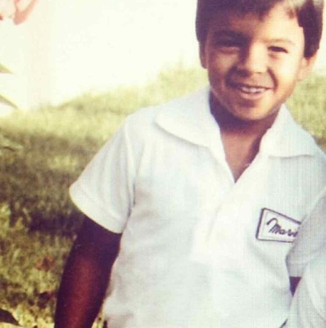Luis Fonsi - Colegio Maristas - 1985