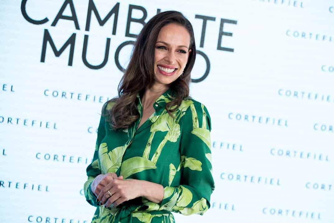 Copia el look primaveral de Eva González