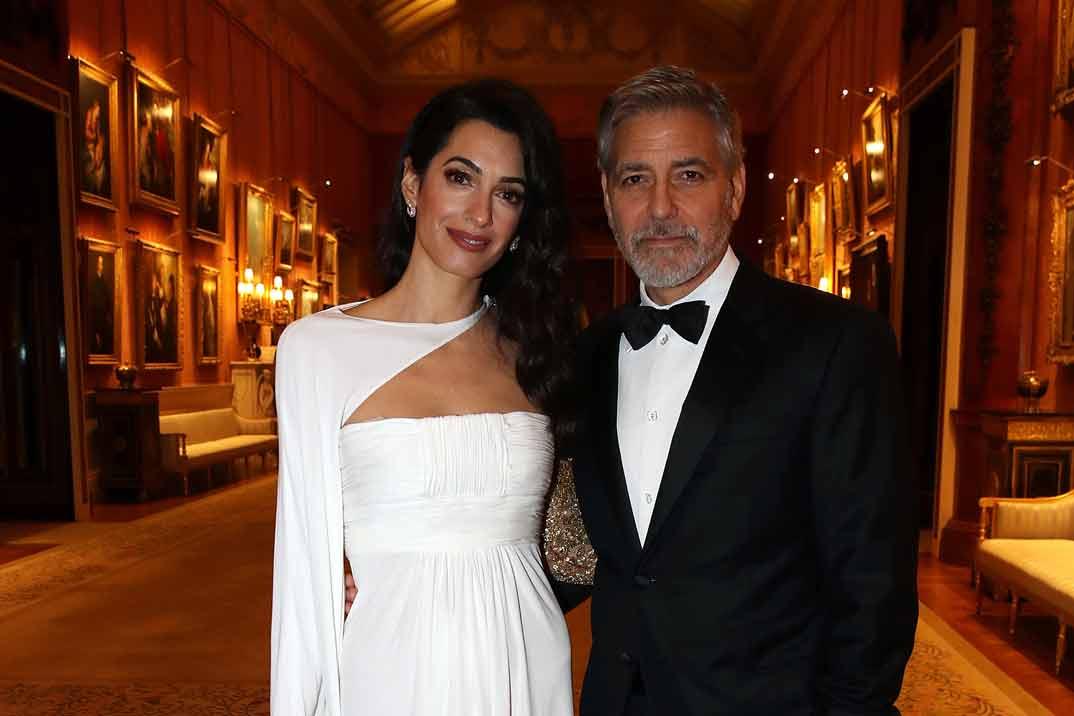 La elegancia de Amal Clooney en Buckingham Palace