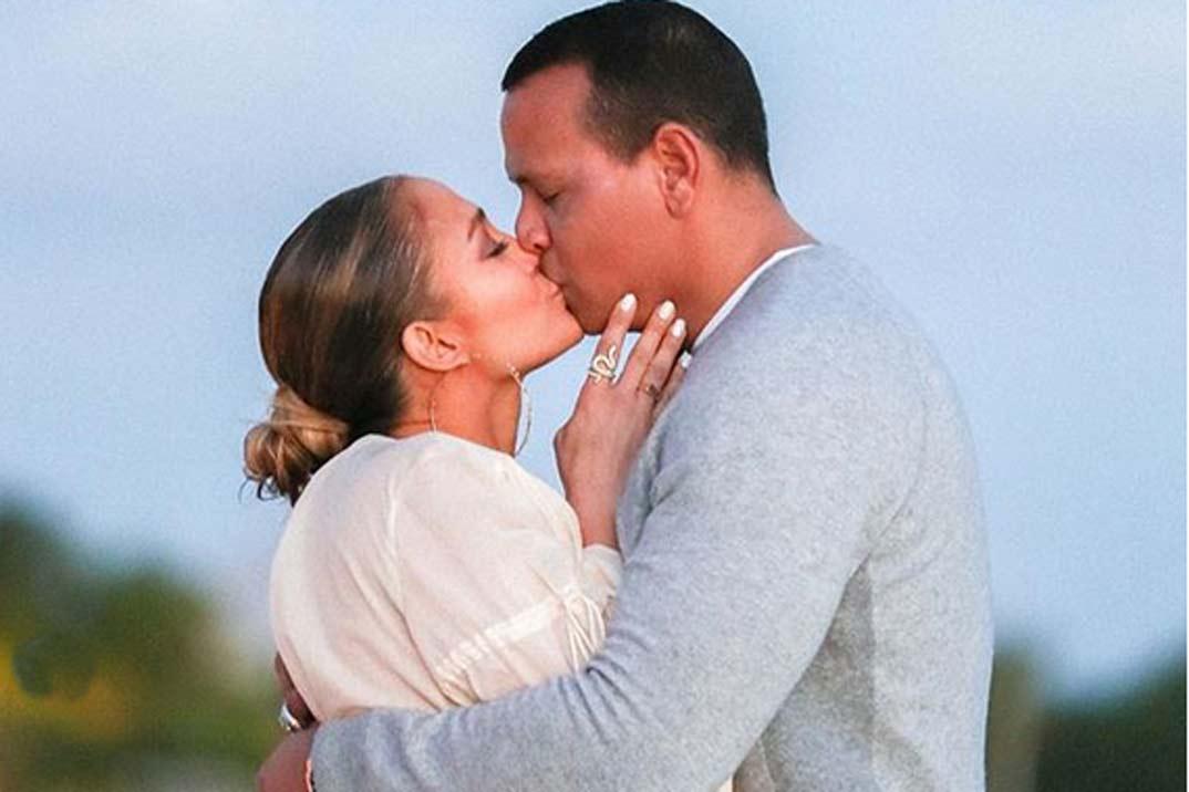 Las imágenes de la romántica pedida de mano de Alex Rodríguez a Jennifer López