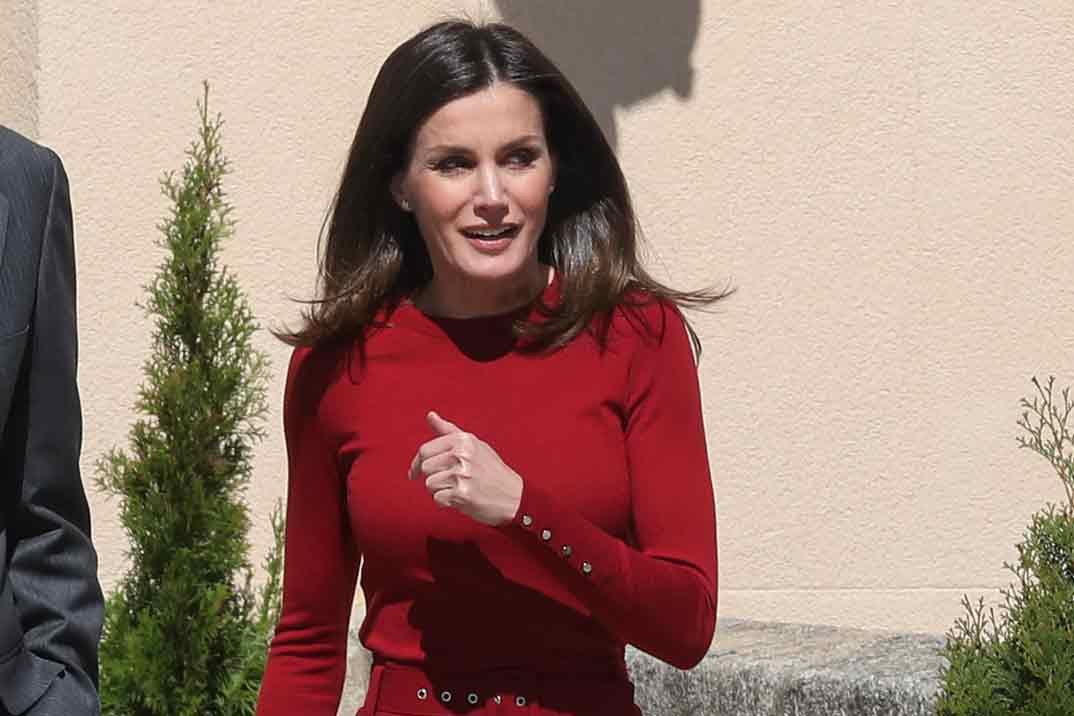 Copia el look, de rebajas, de la reina Letizia