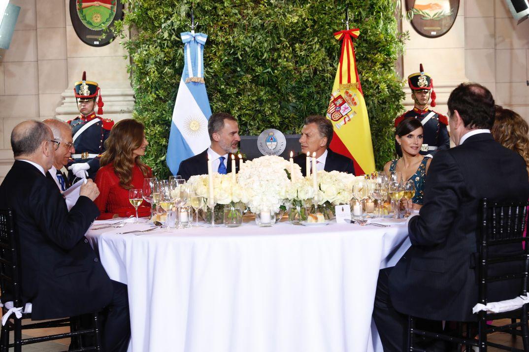 Los Reyes Felipe y Letizia con el Presidente de Argentina y su esposa - Cena Gala Buenos Aires © Casa S.M. El Rey