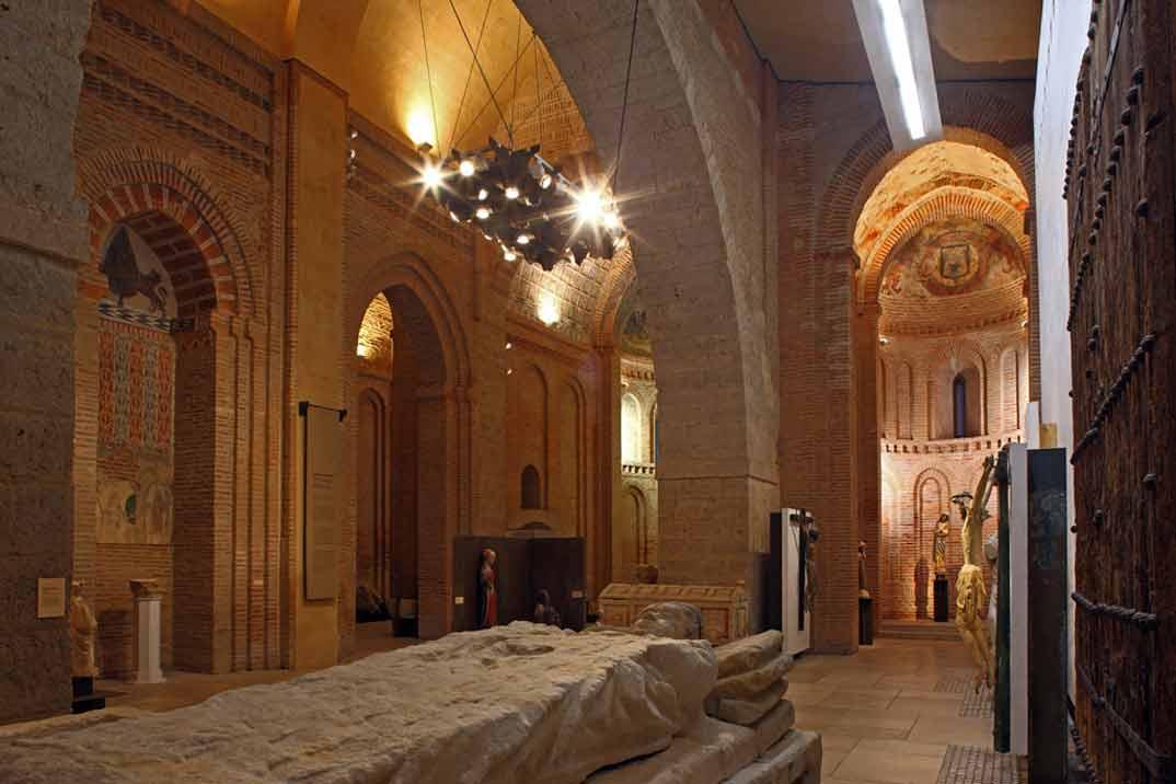 oro-Iglesia-de-San-Salvador-de-los-Caballeros