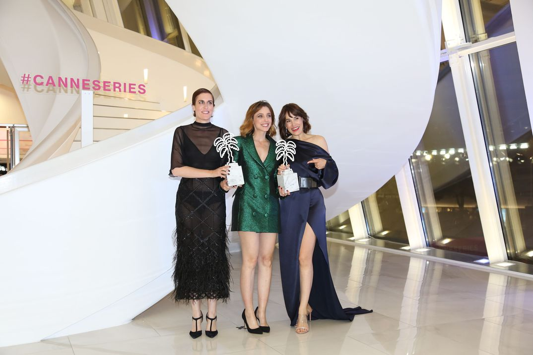 Leticia Dolera, Aixa Villagrán y Celia Freijeiro- Dejate llevar - Movistar + © CANNESERIES / Olivier Vigerie