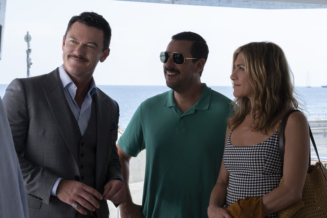 Jennifer Aniston y Adam Sandler - Criminales en el mar © Netflix