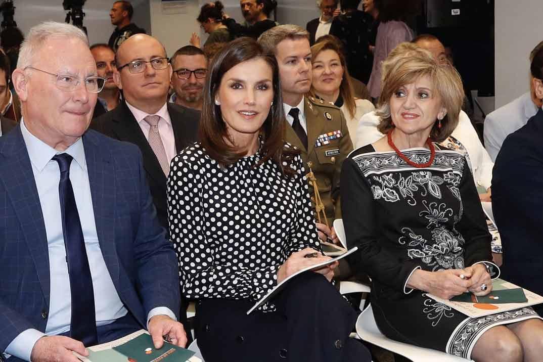 La reina Letizia recupera su look más polémico