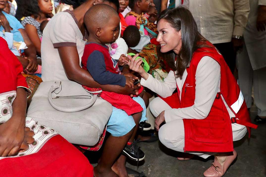 Así ha sido el viaje de cooperación de la reina Letizia a Mozambique