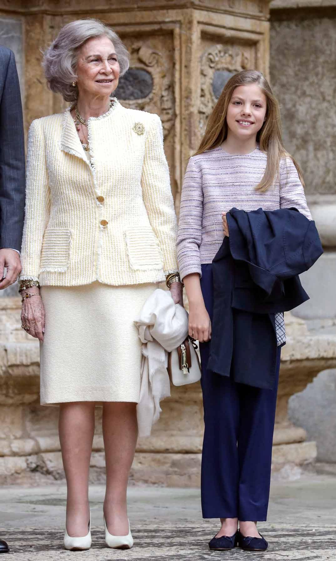 La reina Sofía con la infanta Sofía