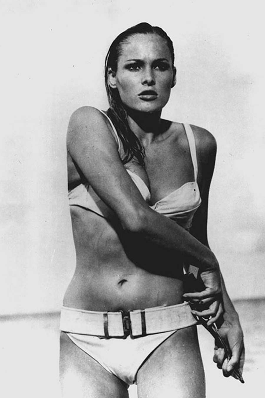 ursula-andress-bikini