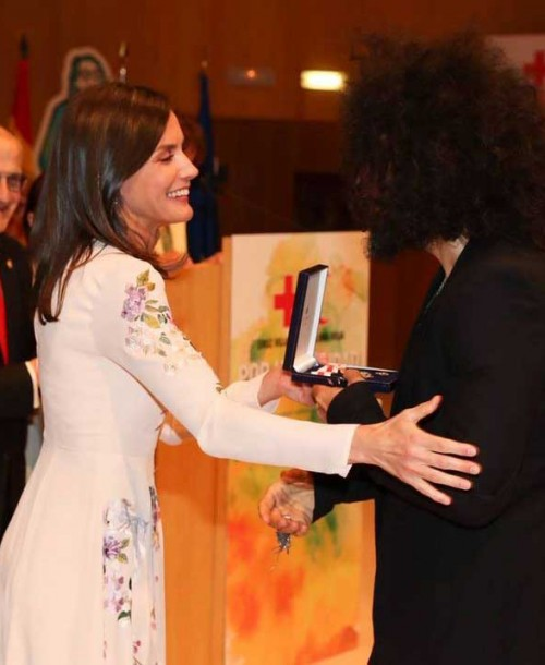 La reina Letizia recupera su vestido de Asos low cost