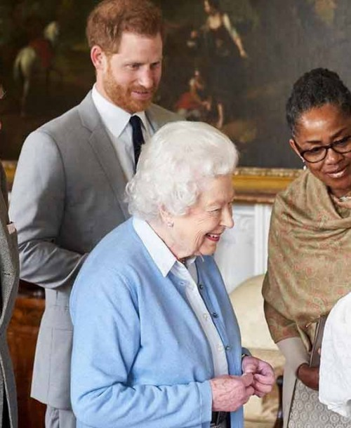 La reina Isabel II apoya la independencia del príncipe Harry y Meghan Markle