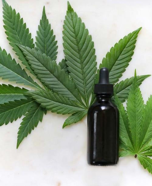 Cómo cuidar tu cabello y tu cuerpo con Cannabis