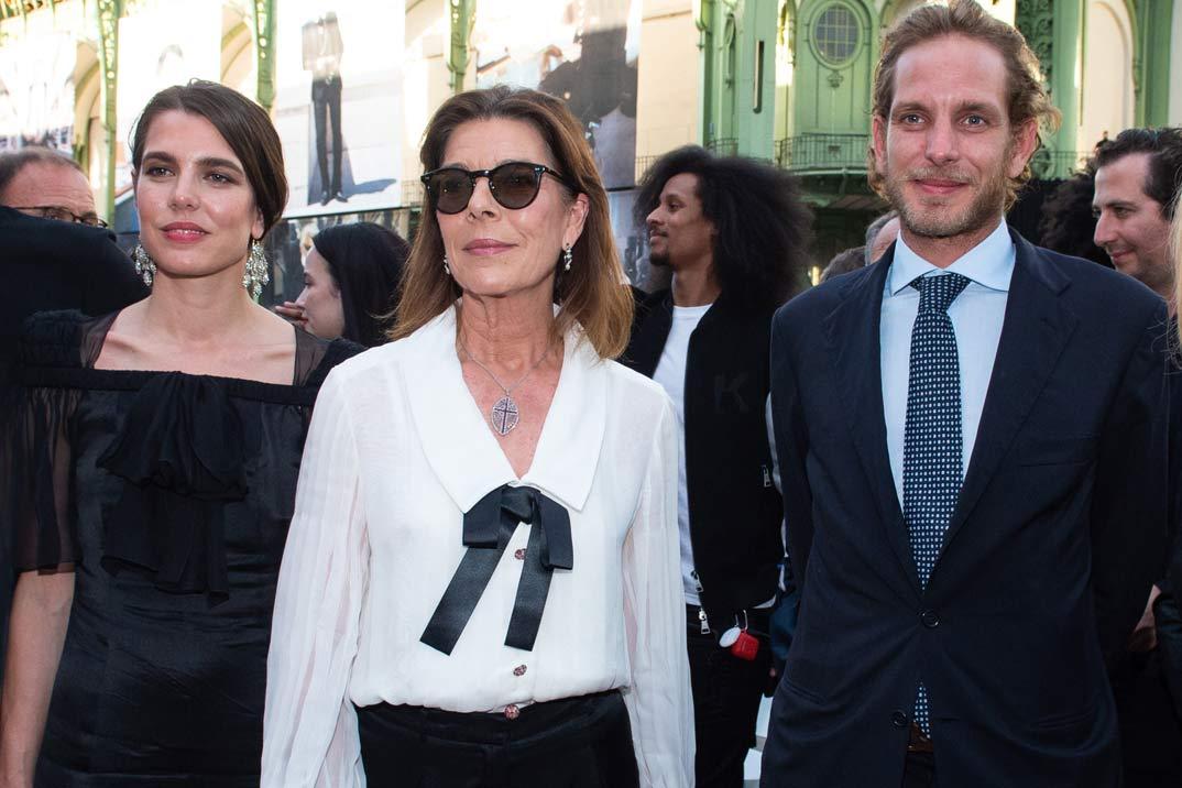 Carolina de Mónaco y Carlota Casiraghi en el homenaje a Karl Lagerfeld