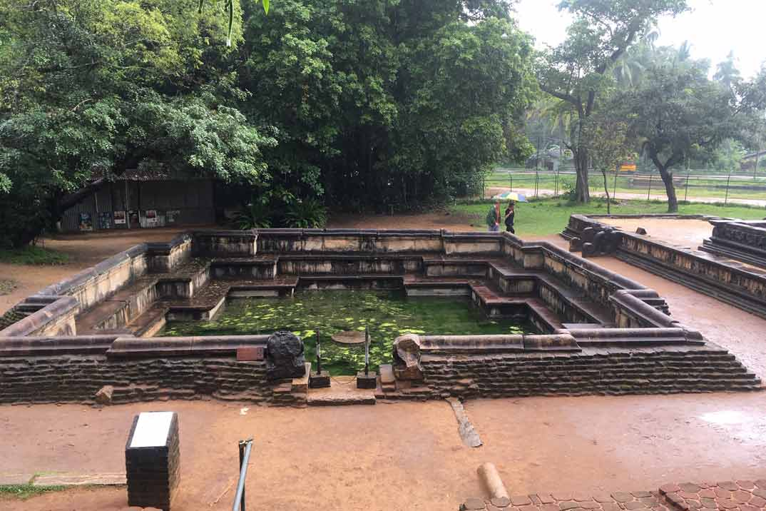 polonnaruwa-piscina