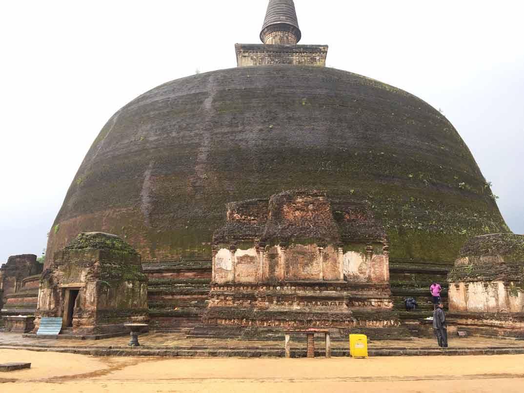 polonnaruwa-vihara-pagoda